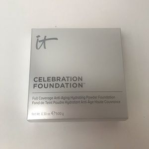 NEW It Cosmetics Celebration Foundation LIGHT